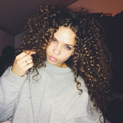 Hairstyles With Both Curls And Wrinkles For Urban Women | hairstyles with both curls and wrinkles for urban women