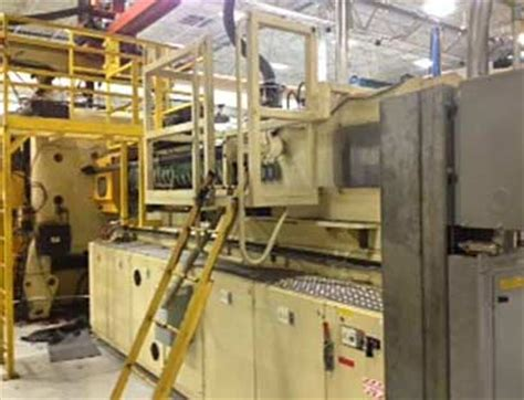 2000 1815 ton husky used injection molding machine for