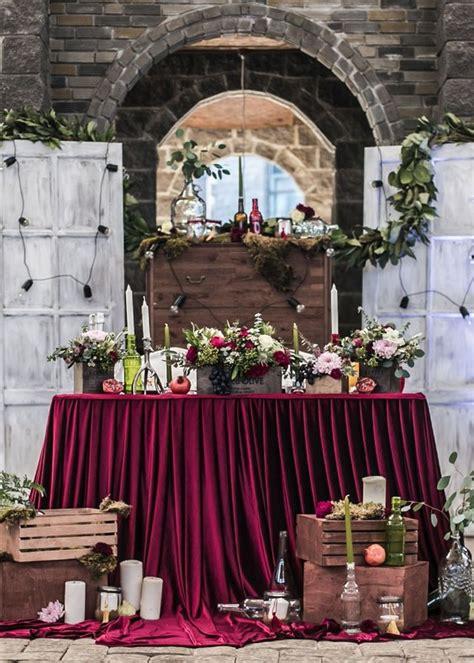 fall wedding reception sweetheart table ideas roses