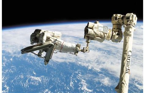 Home Decorating Signs by Photos Canada S Iconic Canadarm Finds New Home At Ottawa