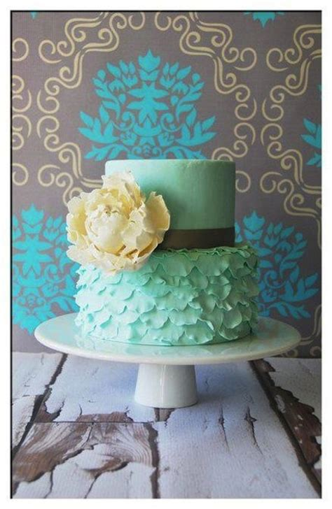 beautiful ruffle cakes