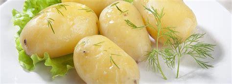 cucinare le patate al microonde come cuocere le patate al microonde misya info