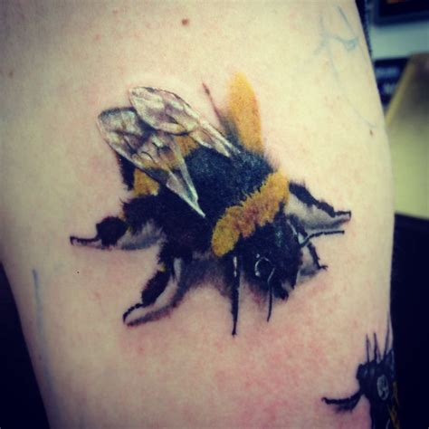 bumble bee tattoos designs bee tattoos 15 cool bee designs