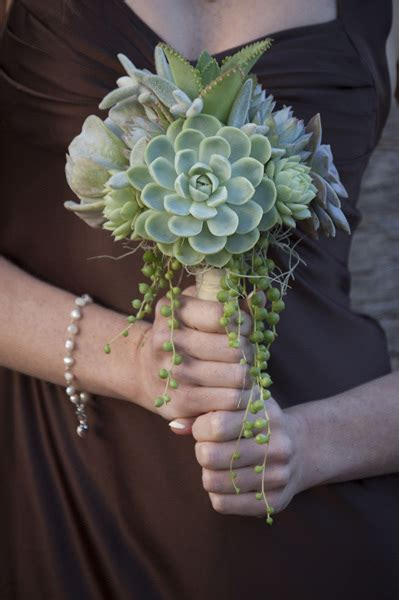 Wedding Brochure Bouquets by Get Creative Gorgeous Bridal Bouquet And Wedding Table
