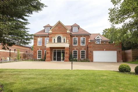 7 bedroom detached house for sale in birds hill rise