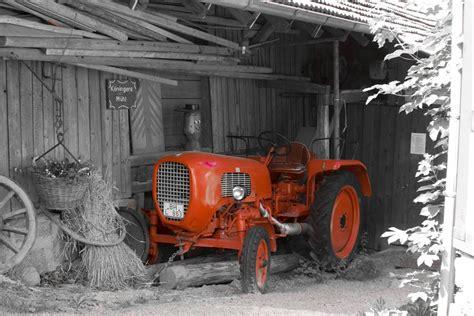 traktor scheune der kleine rote traktor bild foto torsten eifler