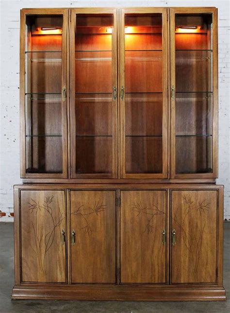 Davis Cabinet Lighted Display Cabinet China Hutch Vintage