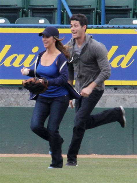 jennifer love hewitt latest news pictures videos and jennifer love hewitt engaged to brian hallisay just hours