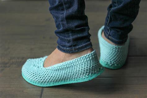 imagenes de unas zapatillas corta la suela de tus chanclas y convi 233 rtelas en estas