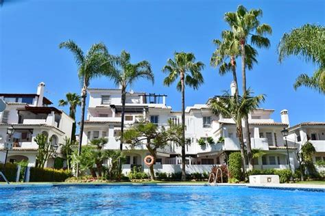los naranjos de marbella apartamentos serinamar updated  apartment reviews price