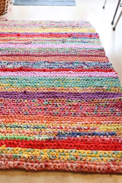 crochet rugs from sheets fr 248 kenen baronen f 230 rdigt arbejde lovely crocheted rag rug using duvet covers sheets and