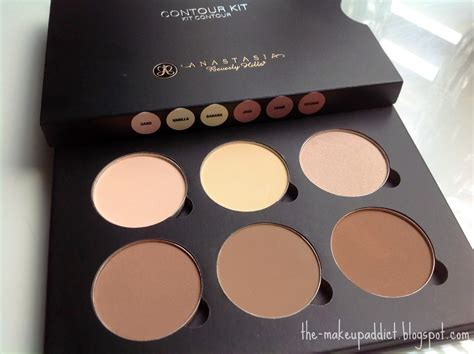 Beverly Contouring Kit beverly contour kit review melgoza