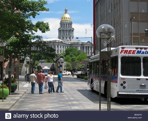 haircuts 16th street denver 16th street mall denver colorado with state capitol in