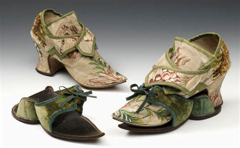 two nerdy history clogs for keeping an 18th c