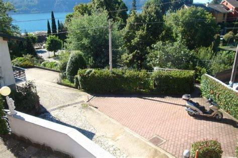 Haus Kaufen Mit Großem Garten by Haus Kaufen Am Lago Maggiore In Ghiffa Mit Seeblick Und Garten