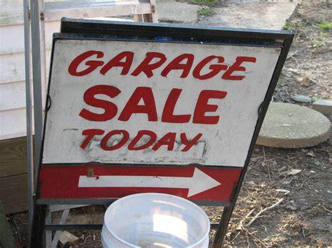Free Garage Sale by Garage Sale Sign Free Range