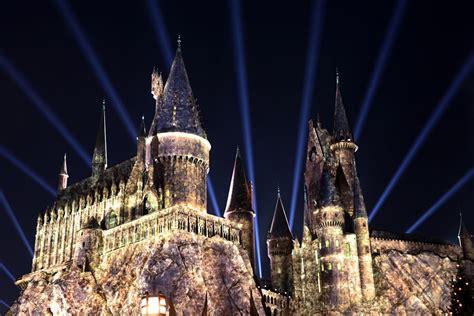hogwarts light orlando review the nighttime lights at hogwarts castle at