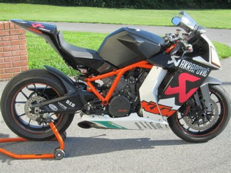 Ktm Rc8r Akrapovic Not One But Two Ktm Rc8r Akrapovic Editions Available