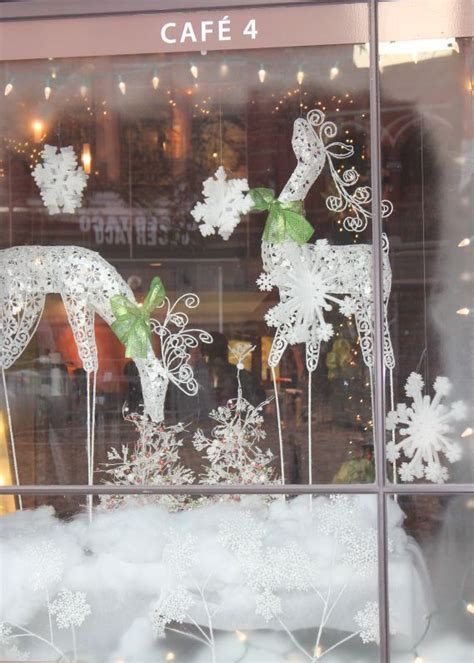 christmas window displays cafe 4 gay street knoxville