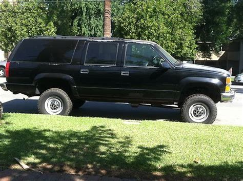 buy used 1998 chevy chevrolet suburban lt 2500 4x4 4wd new tires procomp 2k lift k2500 in