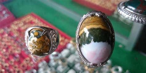 Batu Liontin Pancawarna Lumut wisata batu akik purbalingga ada nagasui pancawarna dan