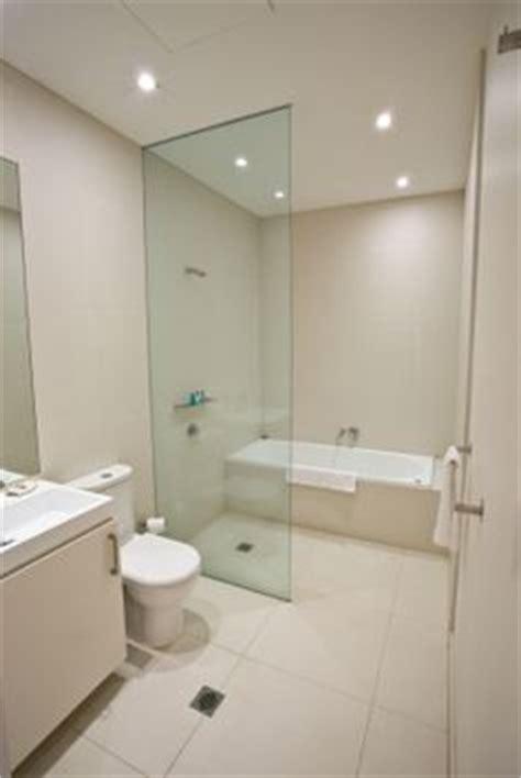 Bathtub In Shower Room 1000 Ideas About Shower Bath Combo On Bathtub