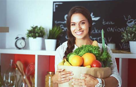 alimenti da evitare per l acido urico gotta la dieta per abbassare l acido urico con la tabella