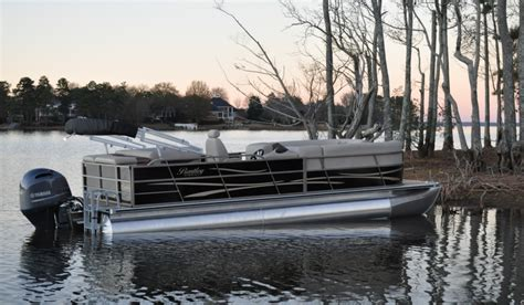 bentley pontoon boat reviews entering the world of pontooning these bentley pontoon