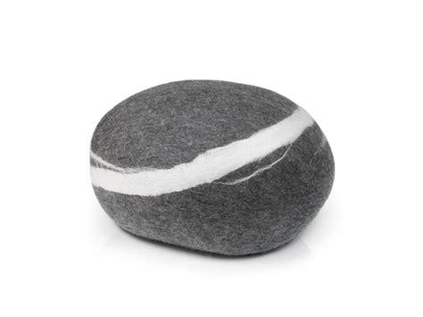 ausgefallene wolle design stein poufs aus reiner wolle interiorpark