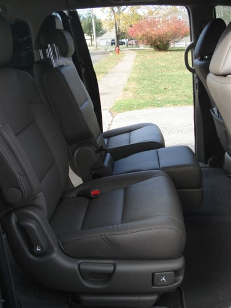 Ford Explorer Captains Chairs by Third Row Access Captains Chairs Save The Day 2017