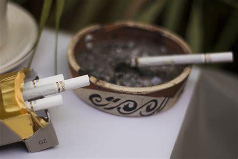 membuka usaha garskin bisnis jual garskin hape bermotif bungkus rokok bungkus