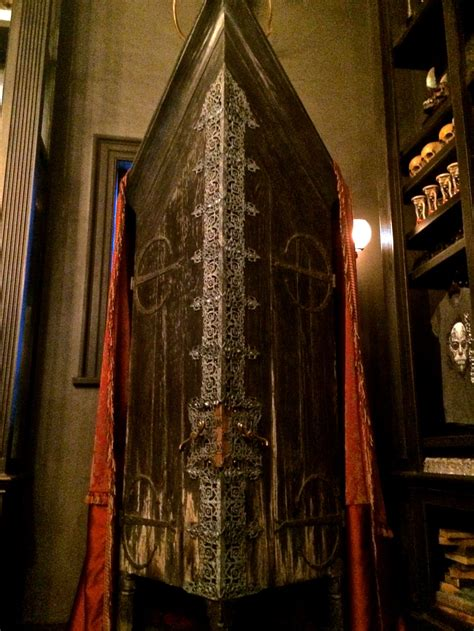 Vanishing Cabinet by Ultimate Harry Potter World Travel Guide 2 The City