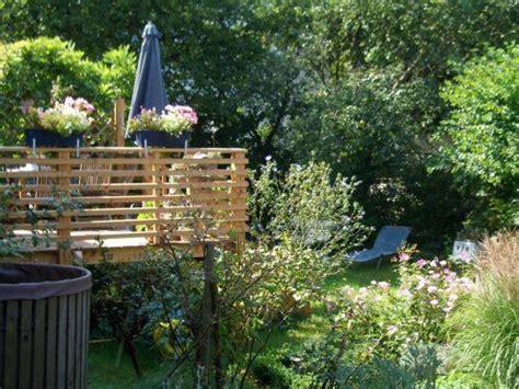 terrasse auf stelzen terrasse auf stelzen am hang kleinster mobiler gasgrill