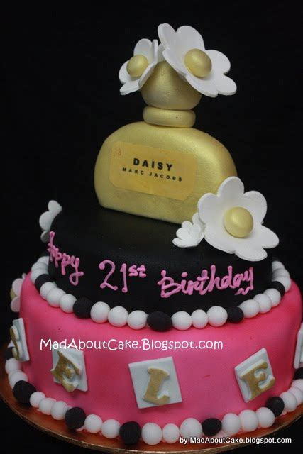 mad  cake marc jacobs cakes