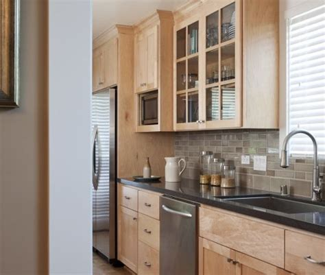 Backsplash For Maple Cabinets by Maple Cabinets Backsplash Idea All About Home