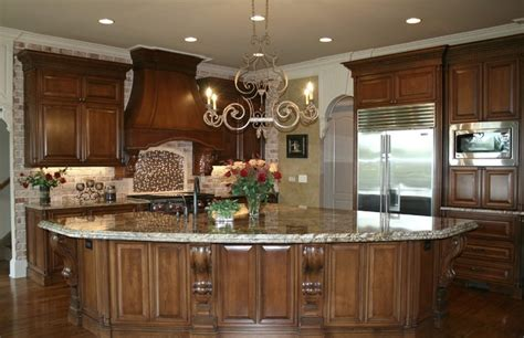 Luxury Handmade Kitchens - 25 traditional kitchen designs for a royal look