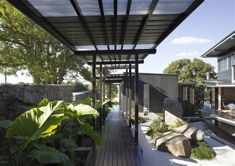 Eichler House by Glass House Mountains House Bark Design Architects