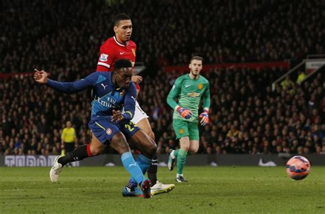 arsenal team news danny welbeck scores penalty as arsenal arsenal draw bradford reading in fa cup semi after ousting