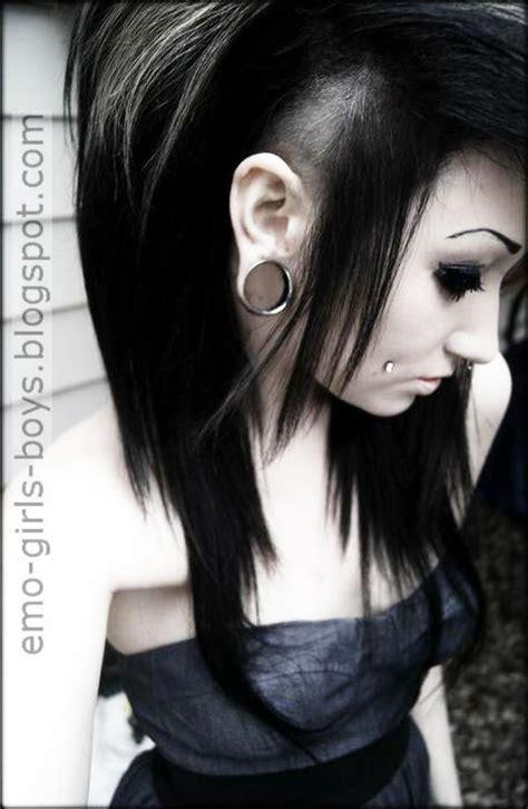 wallpaper emo girl 240x320 emo boys and emo girls pics cute emo girls latest emo
