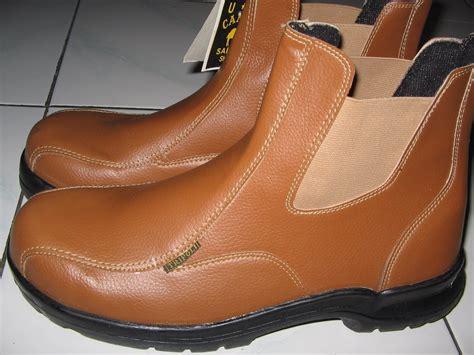 Catenzo Sepatu Kerja Safety Berkualitas Murah Catenzo Ri 095 website sepatu pabrik sepatu safety shoes murah