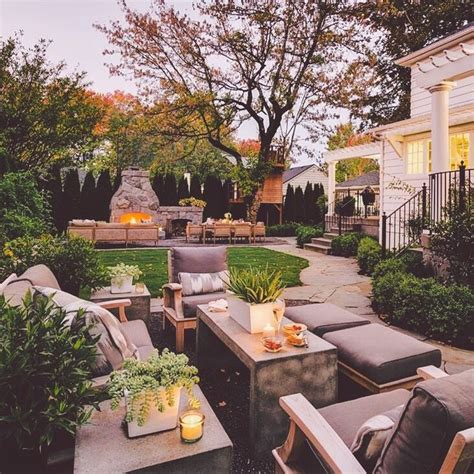 best backyards for entertaining 25 best ideas about outdoor entertainment area on