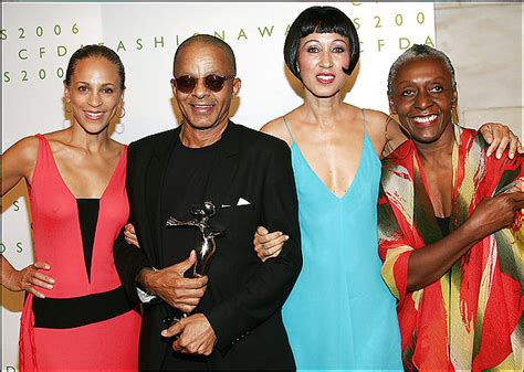 stephen burrows director fashion icon stephen burrows honored by council of fashion