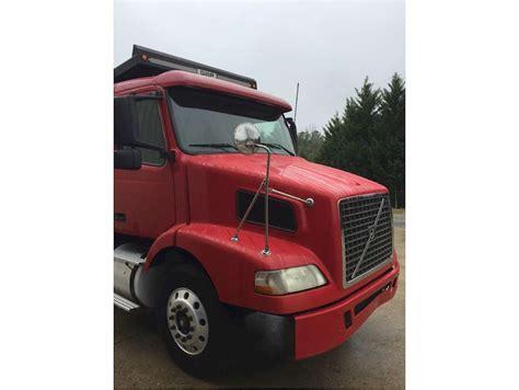 volvo truck 2004 2004 volvo vhd dump truck for sale 295 482 miles