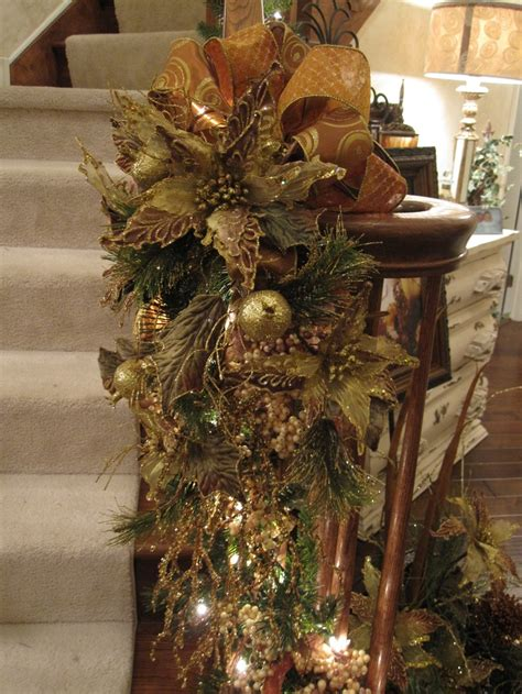 top  ideas  stair christmas garland  pinterest staircase decoration christmas