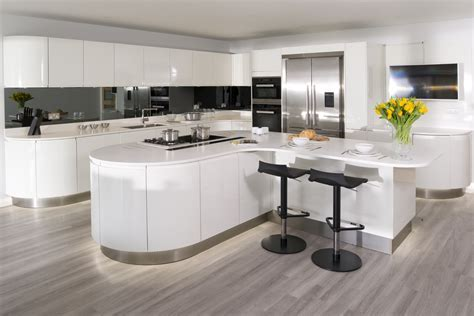 Urban Myth : More than a kitchen   Curved High Gloss White