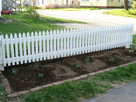 Garden Fence Lowes by Garden Fence Lowes Fencing Buying Guides And Installation