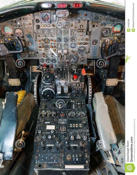 cabina di pilotaggio aereo vista dell aereo di linea della cabina di pilotaggio
