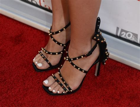 ariel winter celebrity foot and shoes