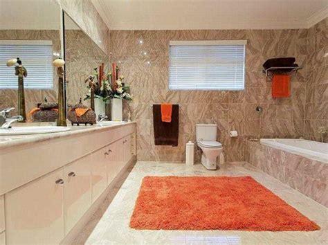 spiegelschrank für badezimmer badezimmer teppich design