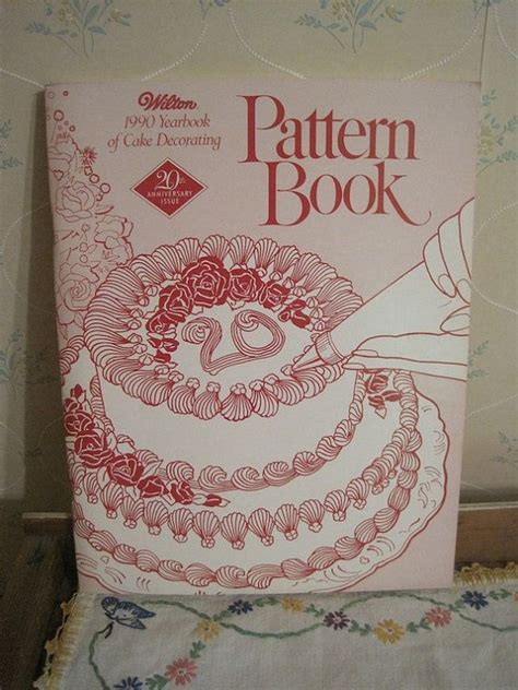 Free Wilton Cake Decorating Books by 1990 Wilton Cake Decorating Pattern Book
